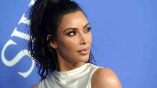 Kim Kardashian en couple avec Travis Barker ? La star répond à la rumeur