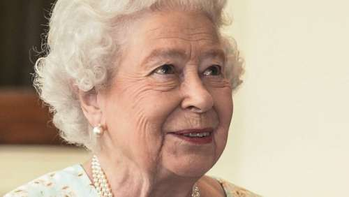 Elizabeth II se sépare de précieux objets liés au prince Philip