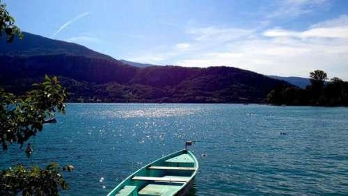 Macabre découverte d'un plongeur amateur au fin fond du lac d'Annecy