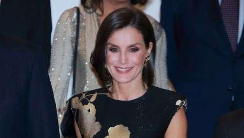 Letizia d'Espagne somptueuse dans une robe noir et or aux touches asiatiques