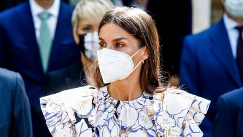 La reine Letizia d'Espagne : quand elle refait la mode estivale avec une touche d'élégance