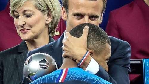 KylianMbappé:après son tir au but raté, l'attaquant de l'équipe de France a reçu un SMS de…Emmanuel Macron !