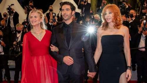 Mylène Farmer époustouflante en petite robe noire à Cannes, aux côtés de Tahar Rahim et Mélanie Laurent