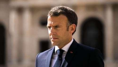 Vaccination : la petite phrase d'Emmanuel Macron hors caméra juste après son allocution