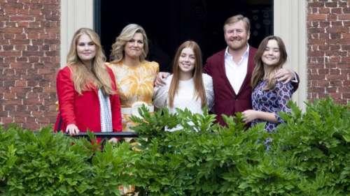 Maxima des Pays-Bas se fait éclipser par la beauté de ses trois filles
