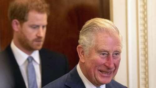 """Prince Charles : le futur roi est """"préoccupé"""" par la voie que prend son fils, le prince Harry"""