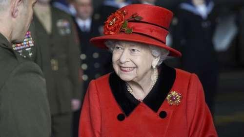 Elizabeth II à Balmoral : la reine entame ses premières vacances d'été sans le prince Philip et loin du scandale