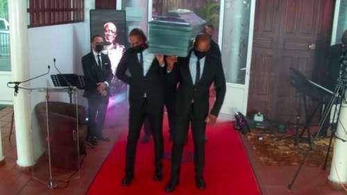 Obsèques de Jacob Desvarieux : le cercueil du chanteur emmené en musique lors d'une danse insolite
