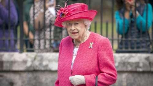 Elizabeth II : dans une sublime tenue rose, la Reine garde le sourire pour son premier été à Balmoral depuis la mort de son mari
