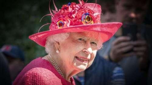 Elizabeth II : cette visite qui inquiète grandement les proches de la Reine
