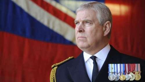Prince Andrew accusé d'agressions sexuelles : le fils de la Reine commence à être inquiet...