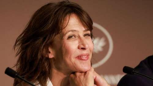 """Sophie Marceau et Marion Cotillard face à Laurent Delahousse : """"C'est pas parce qu'on est actrices qu'on est des potes"""""""