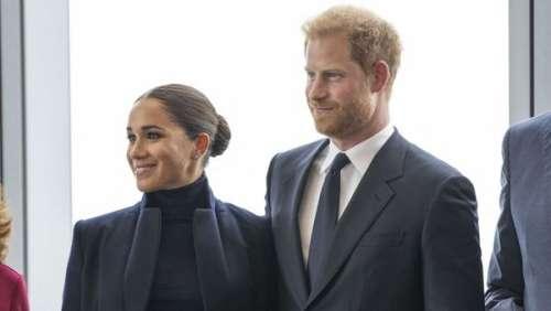 Meghan et Harry à New York : le duc de Sussex affairé au bar d'un palace, sa femme introuvable