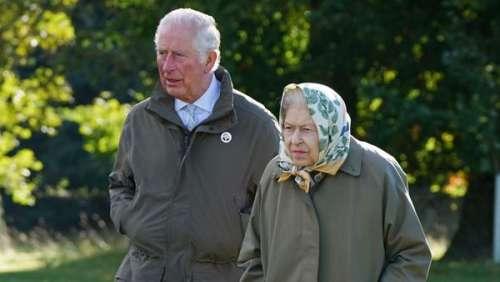 Prince Charles : pourquoi a-t-il rejoint sa mère Elizabeth II à Balmoral ?