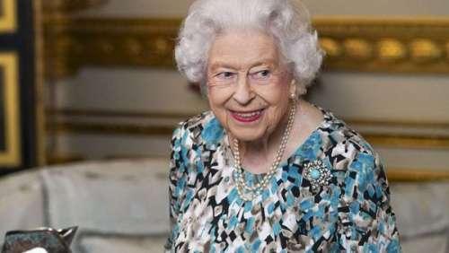 Elizabeth II élégante en robe fluide : la reine tirée à quatre épingles dans sa dernière vidéo