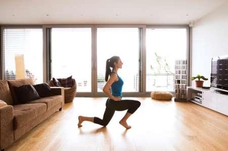 Musculation à la maison: 4 exercices pour garder la forme