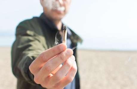 Les jeunes français consomment moins de cannabis et de tabac