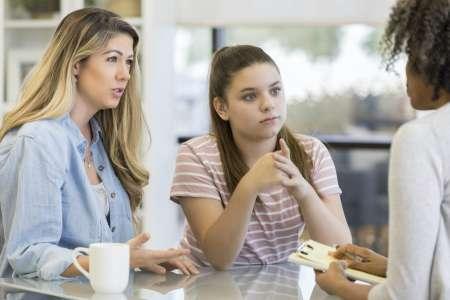 Syndrome des ovaires polykystiques : les filles de femmes atteintes auraient cinq fois plus de risque de l'avoir