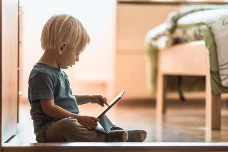 Enfants : une exposition trop précoce aux écrans liée à un manque d'activité physique à 5 ans