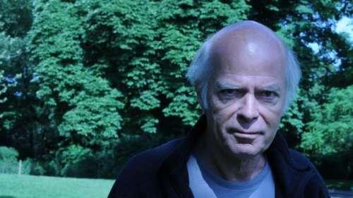 Le chèque de 10 euros de Pascal Quignard, récompense du prix Goncourt, exposé à la BNF
