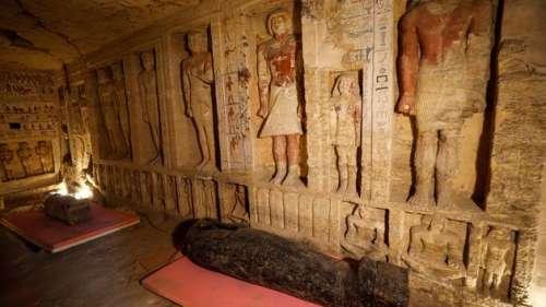 Une introduction au Livre des morts, manuscrit vieux de 4000 ans, ressurgit à Saqqarah