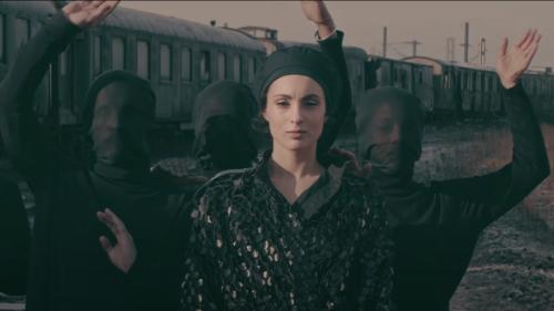 En voiture pour l'Eurovision 2021, Barbara Pravi dévoile son clip de Voilà