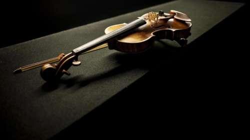 Jugé trop bruyant, un violoniste russe de 9 ans visé par une plainte de ses voisins