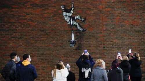 Banksy a-t-il encore frappé ? Le mur d'une prison anglaise de Reading est devenu une nouvelle attraction