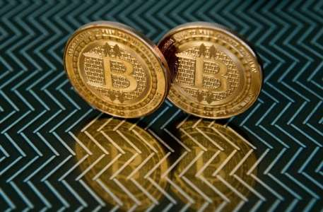 Bitcoin Scammers Stole $69,000 Using Fake iPhone 13 Event