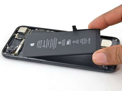 The Next iPhone Could Predict When Its Battery Is Going To Run Out