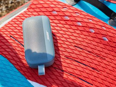 Bose's New SoundLink Flex Speaker Is Durable And Water-Resistant