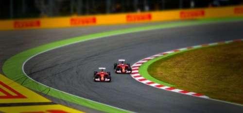 Parier sur la F1 : est-ce une bonne idée pour générer du profit?