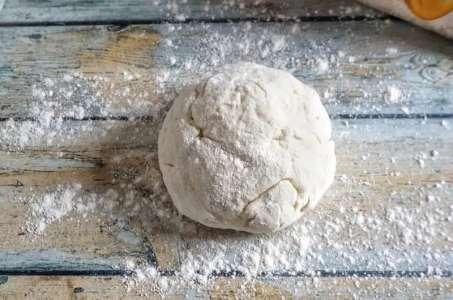 Comment faire sa pâte brisée maison (recette facile ⭐)