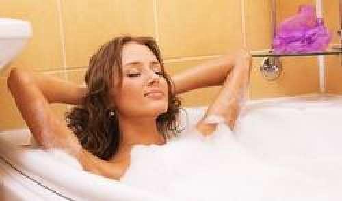 Salle de bains et toilettes : 3 conseils pour éliminer les microbes