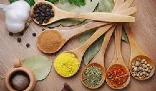 Repas : pourquoi il est sain d'ajouter des épices