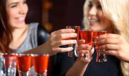 Drunkorexie : on mange moins pour pouvoir boire plus d'alcool