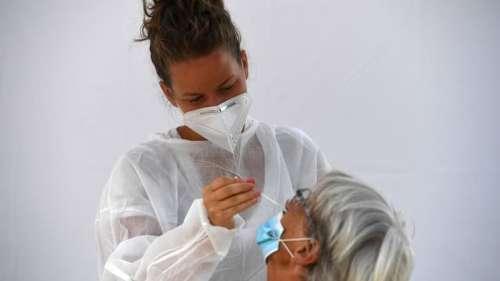 Coronavirus: 3082 nouveaux cas en 24 heures en France, le nombre d'hospitalisés stable