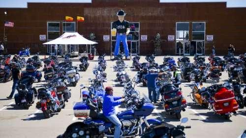 États-Unis: un rassemblement de motards sans doute lié à plus de 200.000 cas de Covid-19