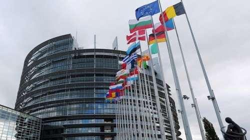 Coronavirus: l'UE réserve 300 millions de doses de vaccins auprès de Sanofi-GSK