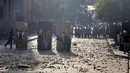 EN DIRECT - Manifestation à Beyrouth: plusieurs ministères pris d'assaut, un policier tué