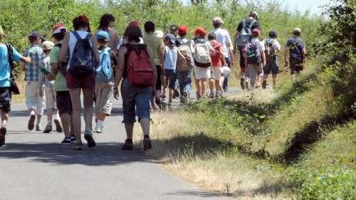 Etats-Unis: des centaines de participants à un camps de vacances contaminés par le Covid-19