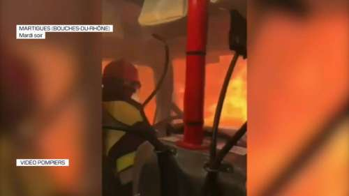 Les spectaculaires images d'un camion de pompiers pris au piège des flammes à Martigues
