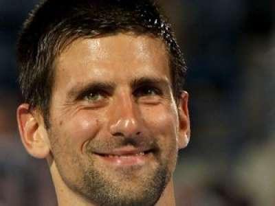 VIDEO. Roland-Garros : un jeune supporter fou de joie après avoir reçu la raquette de Djokovic