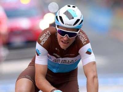 Tour de France : un parasol s'envole, le Français Tony Galopin le percute en pleine course