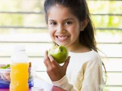 Regarder des émissions culinaires inciterait davantage les enfants à manger sainement