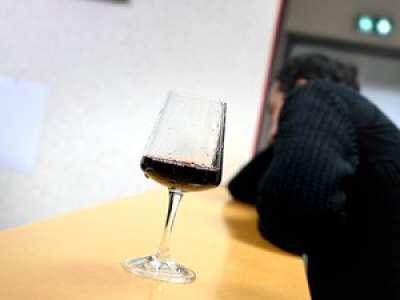 Alcool, tabac, drogues : un accompagnement pour les personnes dépendantes pendant le confinement