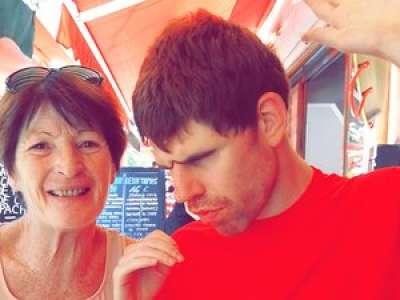 Souffrant d'un abcès dentaire depuis un mois, Arnaud, autiste et handicapé, est sans solution