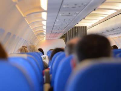 Des passagers d'un vol Paris-Nice refusent de porter le masque, ils sont accueillis par les gendarmes à l'arrivée