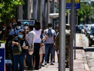 Covid-19 : la Floride suspend la vente d'alcool dans les bars en raison d'une explosion de cas