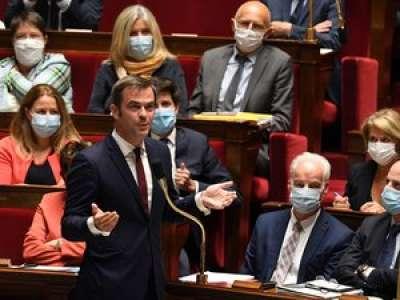 Coronavirus : Olivier Véran annonce la distribution de masques gratuits pour les plus précaires